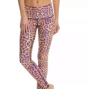 Teeki leopard hot pant legging awakening medium